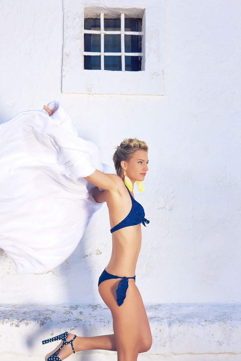 Girl on the beach – Louisa`s neueste Bademode