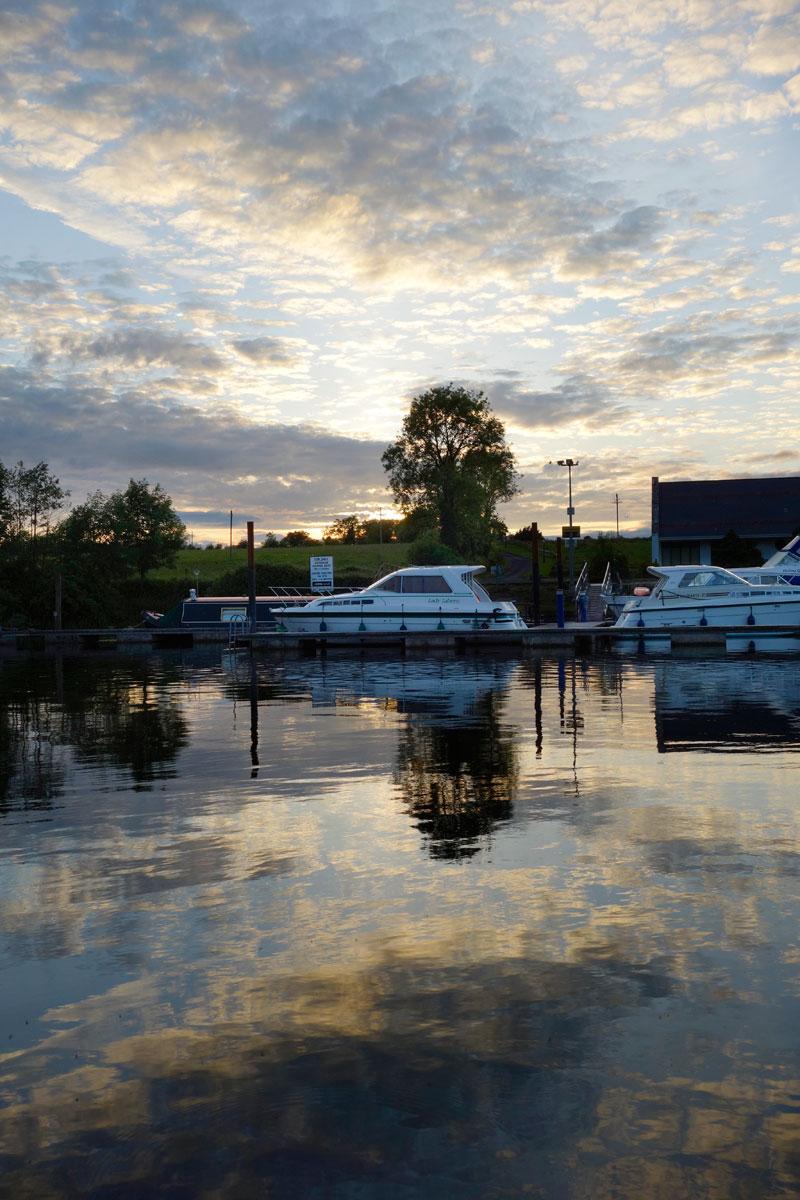 Luxus reise Irland Yachten im Kanal