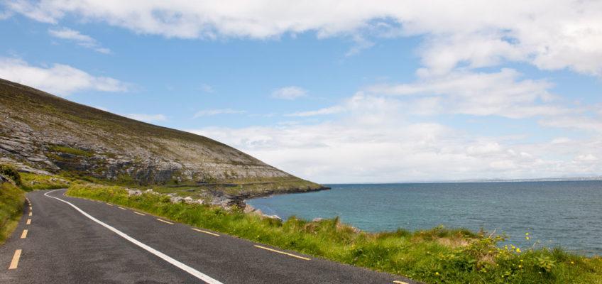 """Luxusreise Irland """"The Wild Atlantic Way"""" - atemberaubende Küstenstraße die durch Irlands ganze Vielfalt führt und ein """"muss"""" für jeden Reisenden ist"""