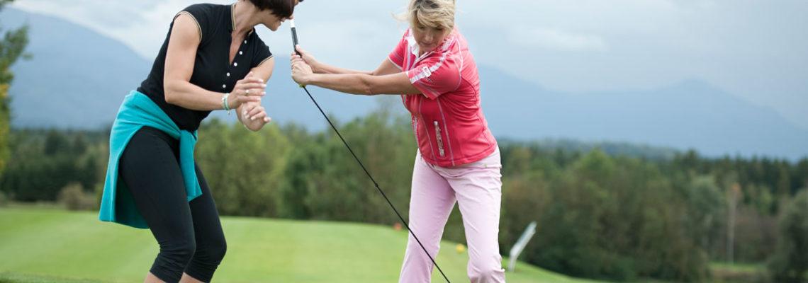 Golfschwung Optimieren - Kirstin Renner mit Kundin