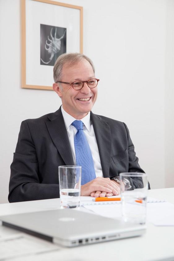 Die perfekte Geldanlage – Uwe Adamla von der DJE Vermögensverwaltung