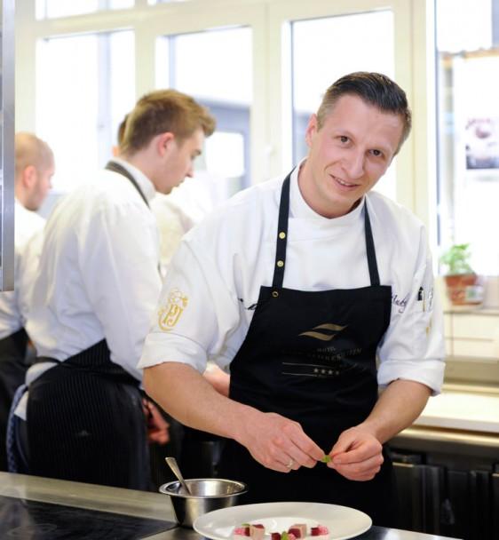 Das Gourmetrestaurant Aubergine Starnberg erhält unter Max Moser seinen ersten Michelin Stern