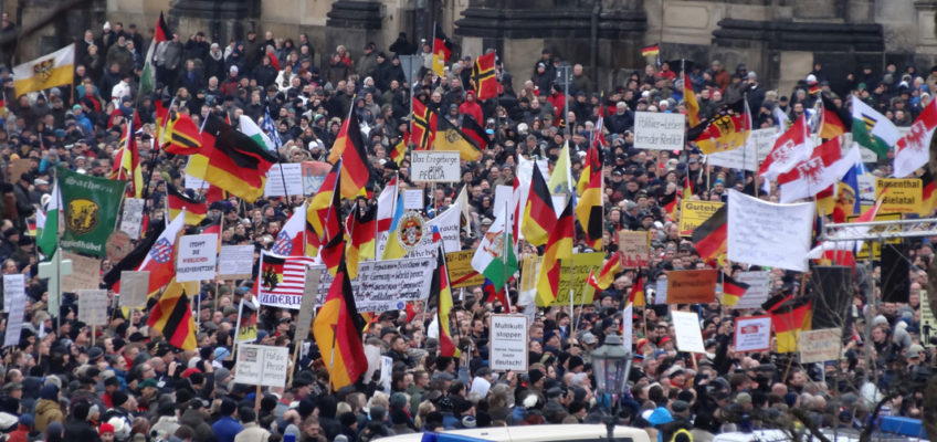 Moral und Terror - PEGIDA Demonstration in Dresden im Januar 2015