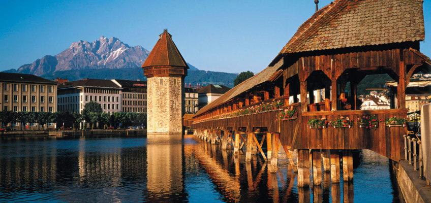 Die Kapellbrücke und der Wasserturm - die beiden Hauptwahrzeichen von Luzern