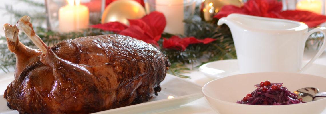 Den perfekten Gänsebraten zu Weihnachten einfach Online bestellen. Feinste Qualität von bayrischen Freilandgänsen. Zubereitet auf gastronomischen Spitzenniveau.