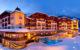 Hotel Post Lermoos und Zugspitze in atemberaubender Winterlandschaft