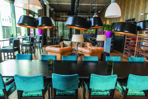 Bar - Bistro Brooklyn in Amsterdams Kreativviertel NDSM