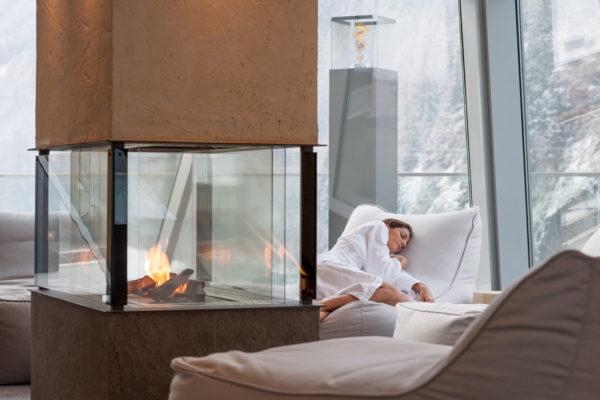 Der AQUA DOME im Ötztal - ein Thermen Resort mit futuristisch anmutender Wasser - und Saunawelt, SPA & Fitness, rundum erneuerter Kinderwelt und natürlich dem  gemütlichen 4 Sterne Superior Hotel