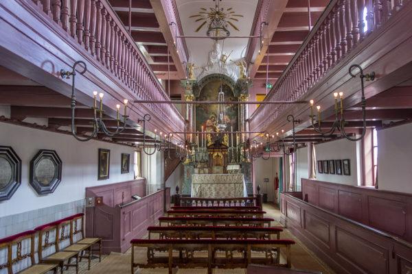 """Im Museum """"Ons Lieve Heer op Solder"""" ist eine der versteckten Kirchen aus dem 17. Jhr. zu sehen, die aufgrund des verbotenen Katholizismus in ganz Amsterdam entstanden waren"""