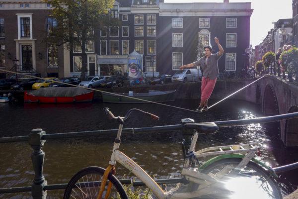 Straßenmusiker und Gaukler gehören zum Stadtbild