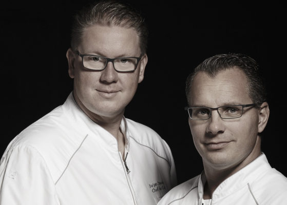 """2 Sterne im Guide Michelin sprechen für sich - Onno Kokmeijer und Arjan Speelman vom """"Ciel Bleu Restaurant"""", welches in der 23. Etage des Hotel Okura  Amsterdam liegt"""