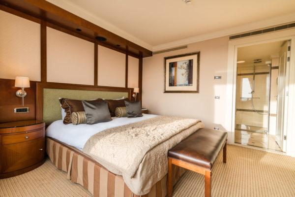 Das Hotel Okura Amsterdam gehört zu den führenden Hotels Amsterdams und bietet neben japanisch minimalistisch